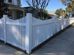White Picket Fence Line For The Front Yard Entrance 4 Ft Tall Scalloped Pvc Picket Fence By Mossy Oak Fence Fence Design White Picket Fence House Vinyl Fence