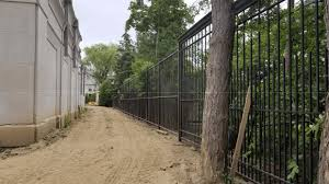 Drake Given Exemption For High Fences At Bridle Path Mansion Amid Security Concerns Cp24 Com