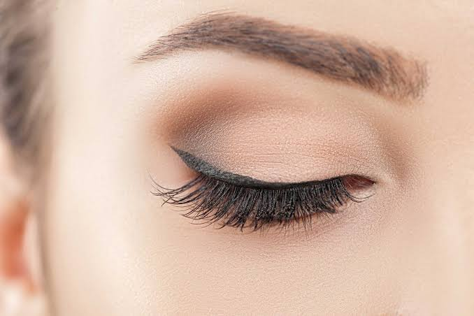 Image result for eyeliner trick: Blur the lines