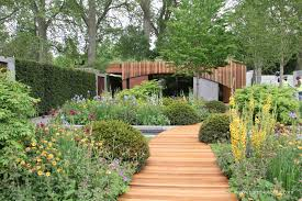 the homebase garden an urban retreat