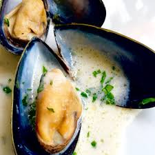 Garlic & White Wine Mussels (Moules ...