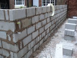 how to construct a retaining wall