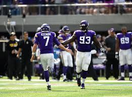 Shamar Stephen joins the Vikings castaways in Seattle