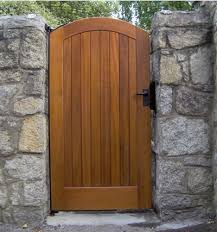 Building Wooden Gates Is Not Difficult And Even The Simplest Design Can Look Good Description From Kologa Wooden Side Gates Building A Wooden Gate Side Gates