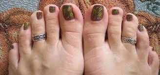 cool fall autumn toe nail art designs