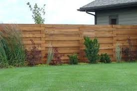 Wood Privacy Fence Horizontal Staggered Wood Privacy Fence Privacy Fence Designs Fence Design