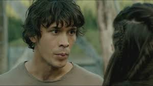 Pike convinces Bellamy to attack the grounders - YouTube