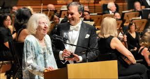 Selma Smith Receives Award at 'Lawyers' Phil Concert