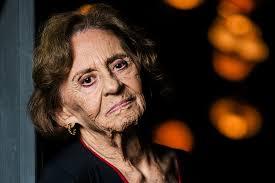 Laura Cardoso espinafra: 'Odeio os políticos do Brasil'