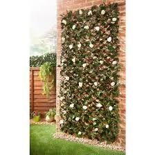 Expanding Floral Ivy Leaf Trellis 2 X 1m Decorative Fencing B M In 2020 Decorative Garden Fencing Fence Panels Garden Wall