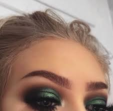 green smokey eye makeup for green eyes