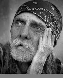 صورة شايب ابيض واسود خلفيات لرجل عجوز روعه اجمل الصور