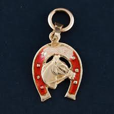 roma 18k gold horseshoe pendant with