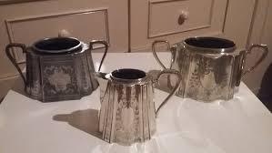 sugar pots 1 milk jug one pot