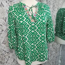 crown & ivy Tops | Crown And Ivy Kelly Green Top | Poshmark
