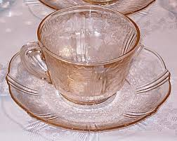 depression glass guide and