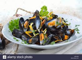Fresh mussels with butter-lemon-sauce ...