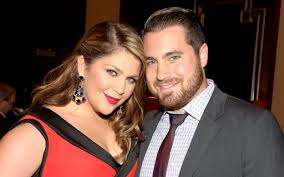 This day in 2012: Lady Antebellum's Hillary Scott gets hitched | KBOE  104.9FM Hot Country