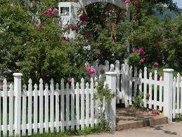 26 White Picket Fence Ideas And Designs Fence Design House Fence Design White Picket Fence