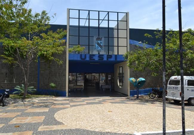 """Resultado de imagem para Campus Professor Alexandre Alves de Oliveira, em Parnaíba-PI"""""""