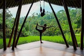 yoga teacher the blonde abroad