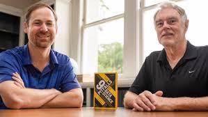 Economics Professor Gary Smith and Alumnus Jay Cordes '93 Team Up on Data  Science Book | Pomona College in Claremont, California - Pomona College