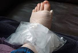 foot health causes of swollen feet and