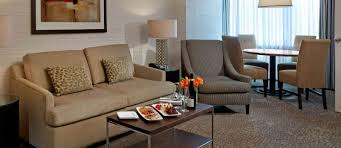 hotel in the heart of downtown toronto