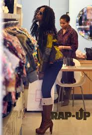 Kelly Rowland Buys a Gift for Blue Ivy Carter | Rap-Up