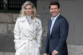 Crown' star Vanessa Kirby clears up Tom Cruise dating rumors