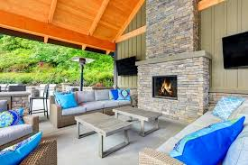 an outdoor fireplace with cinder blocks