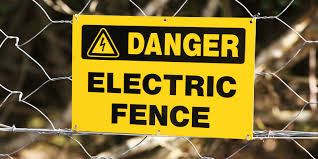 Cornwall S Star Inn Uses Electric Fence For Covid 19 Social Distancing
