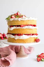 strawberry shortcake cake with
