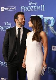 Aaron Lohr and Idina Menzel at the Frozen 2 Premiere in Los ...