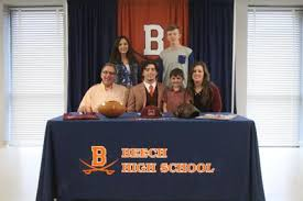 Nelson Smith signs with Maryville   Sports   hendersonvillestandard.com