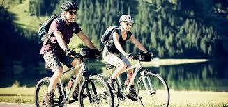 Attivitá aerobica: pedalare | Educazione Nutrizionale Grana Padano
