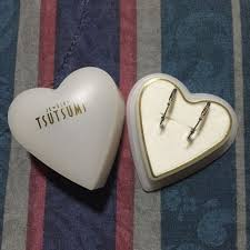 white gold tsutsumi hoop earring women