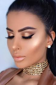 makeup ideas for white and gold dress
