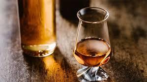 túath irish whiskey glass