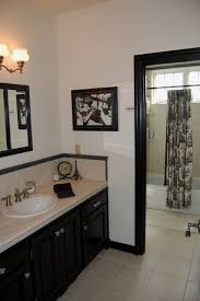 black white toile bathroom