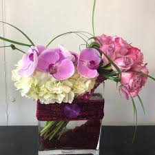 flower delivery by effusive flowers