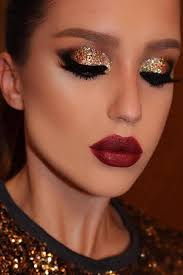 eye makeup with red and green dress