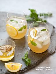 lemonade made with honey simple syrup