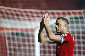 Aaron Wilbraham signs new Bristol City contract