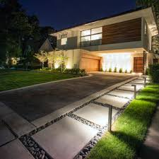 75 Beautiful Front Yard Driveway Pictures Ideas November 2020 Houzz