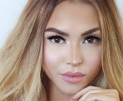 9 best insram accounts for makeup