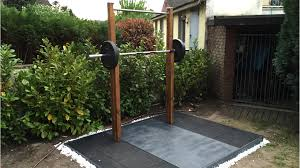 diy outdoor weightlifting platform and