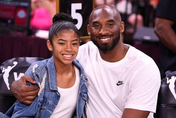 """Image result for Kobe Bryant e filha de 13 anos morrem em queda de helicóptero"""""""