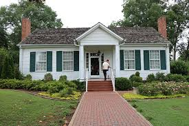 A Visit to Ivy Green, Helen Keller's Birthplace - Nancy D Brown
