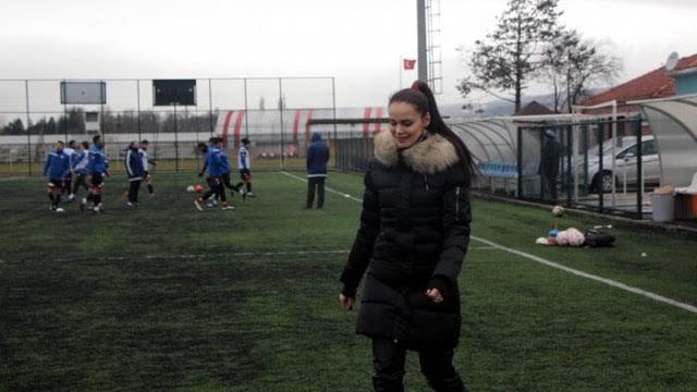 """Bolu'da, 3 çocuk annesi iş kadını, futbol kulübüne başkan oldu ile ilgili görsel sonucu"""""""